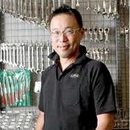 1. คุณมาซาโตะ ทานาโนกูร่า : CEO Factory Gear Group.
